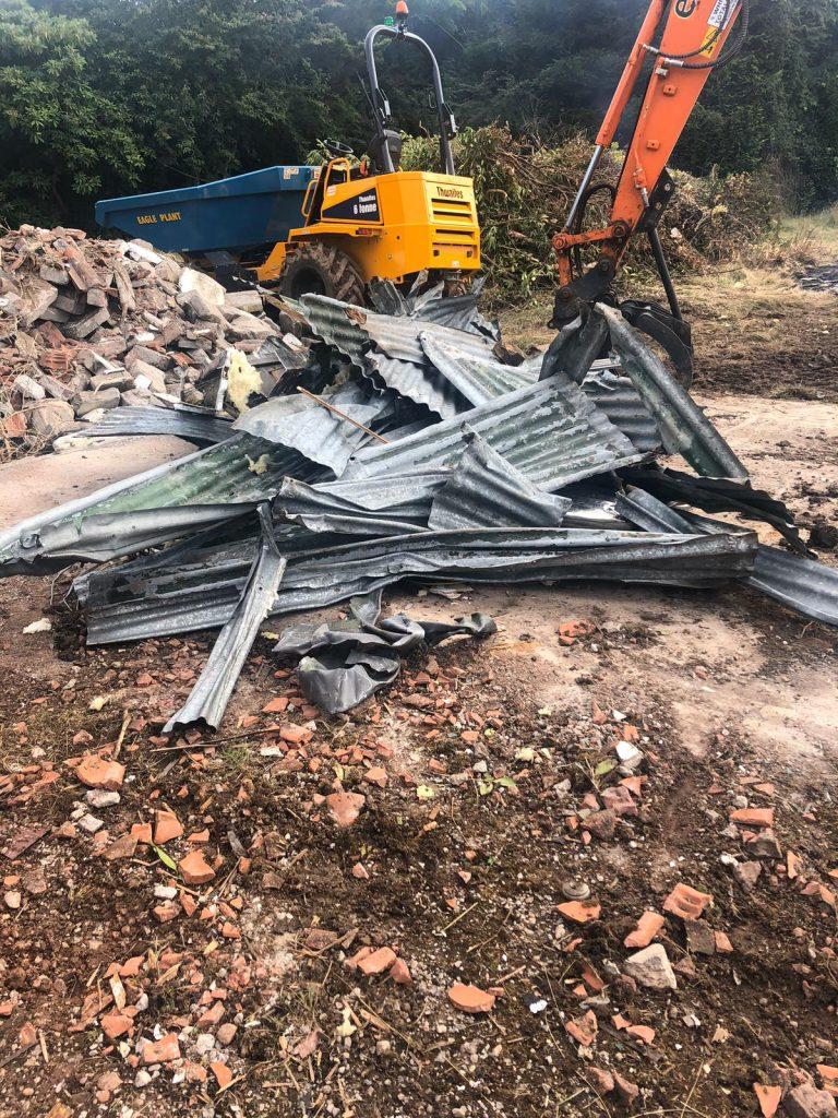 SG Rayner Homes - Thorneycroft development demolishing the old property on the development site